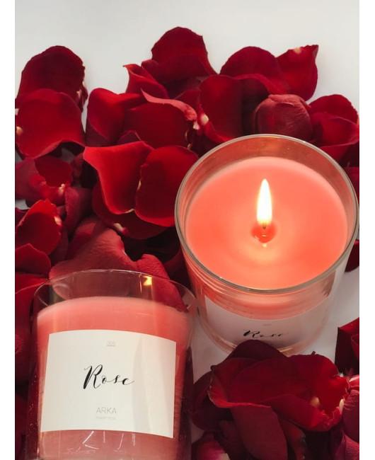 Свеча в стекле с ароматом розы