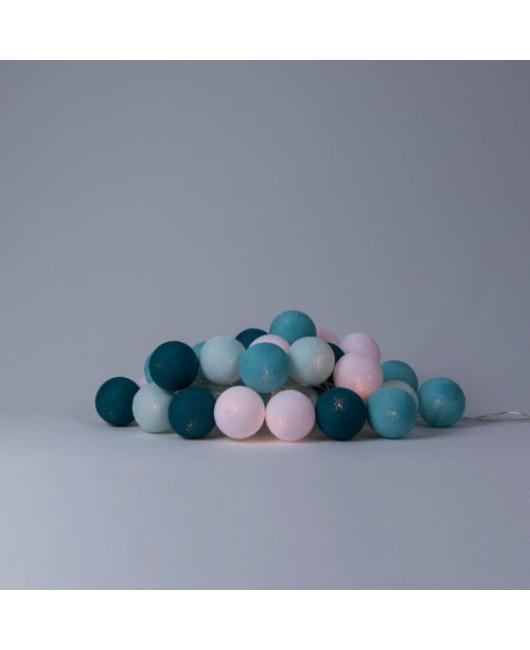 Гирлянда голубая из шариков